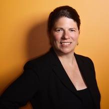 Julie Kapsch Headshot